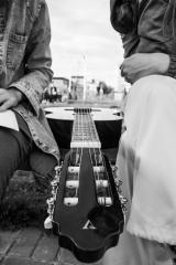 Уроки игры на гитаре постер плакат