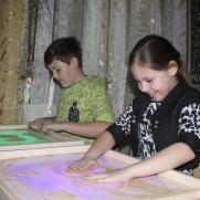 Рисование песком, подготовка к школе, развивающие занятия для самых маленьких постер плакат