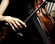 Премьера концертной программы «Полет над временем» в исполнении Симфонического оркестра Сургутской филармонии постер плакат
